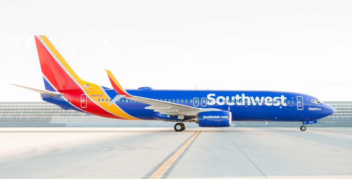 Image of a Southwest Airlines 737 in the new livery