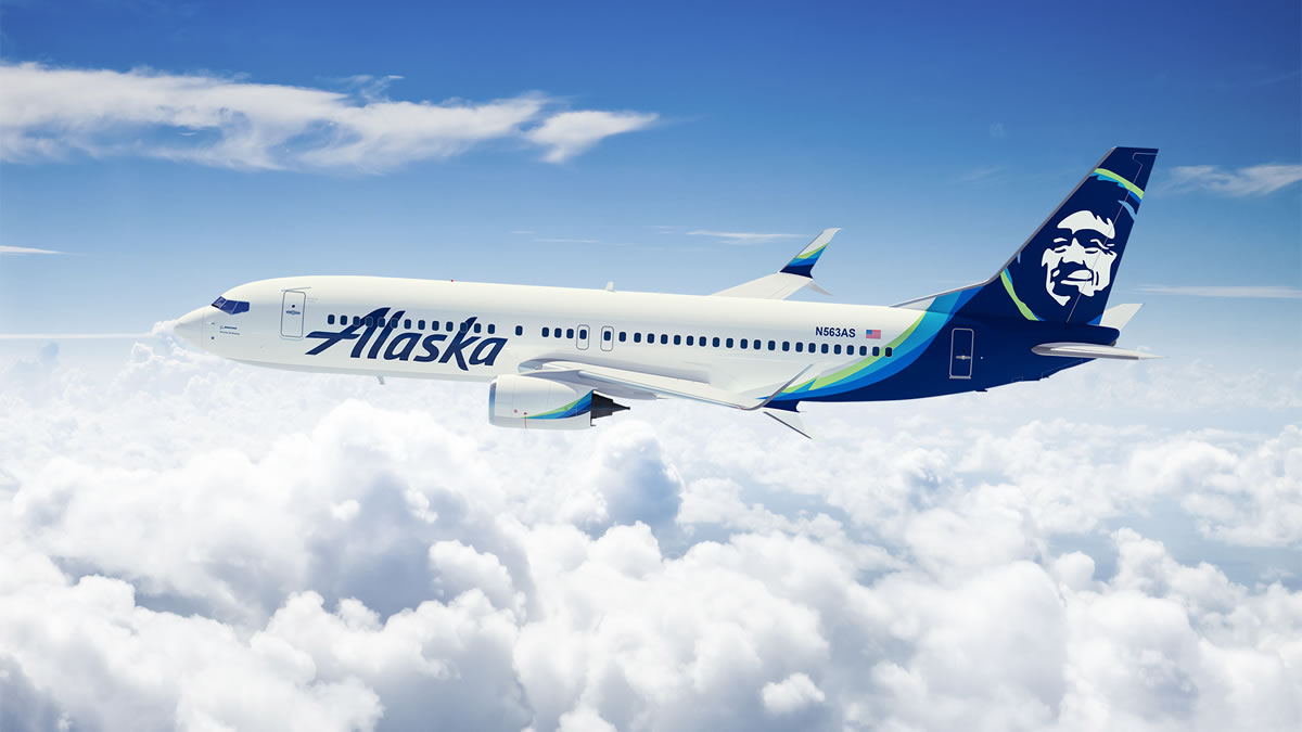 Boeing 737 wearing Alaska's new livery